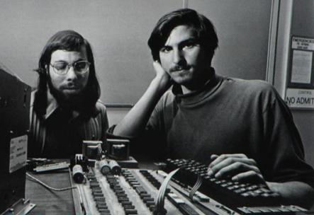 Steve-Jobs-Steve-Wozniak-1976